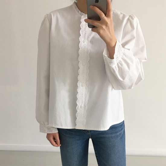 mood blouse